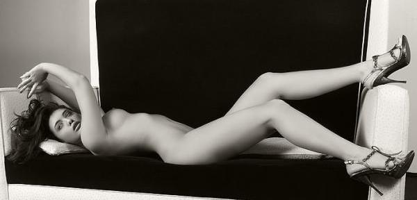 La-modella+divano=glamour.jpg